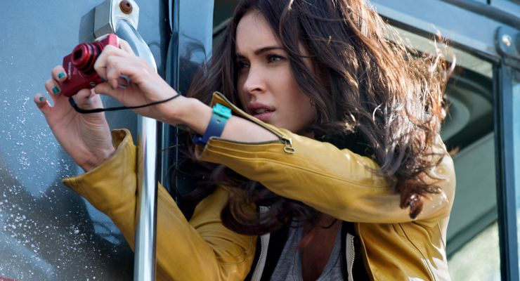 Megan Fox as April-O'Neil TMNT: teenage mutant ninja turtles at comic con 2014