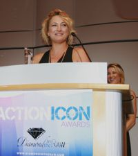 Zoe Bell Acceptance Speech As  Diamond in the Raw Honoree