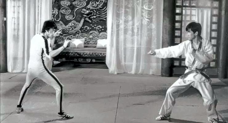 Bruce Lee and GM Han Jae Ji on the movie set of Game of Death