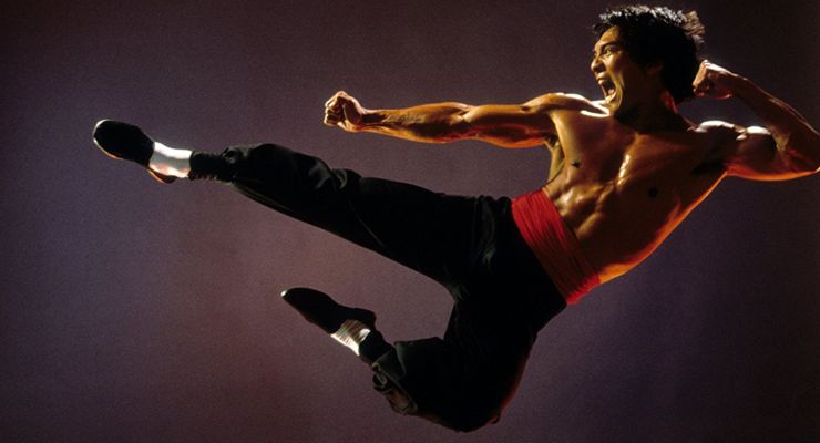 Jason Scott Lee in Dragon: The Bruce Lee Story (1993)